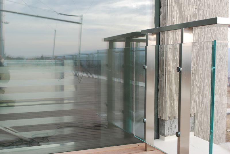 Zábradlí v exteriéru sklo - nerez