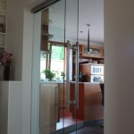 Celoskleněné dveře posuvné s bočním fixním světlíkem