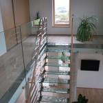 Skleněné schodiště + celoskleněné zábradlí