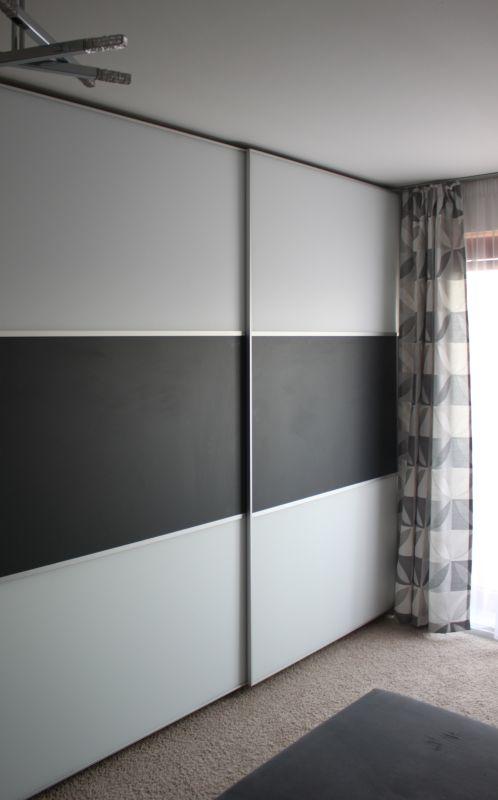 Skleněná výplň dveří šatní skříně